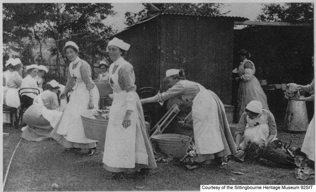 92SIT - Nurses – believed to be Sittingbourne