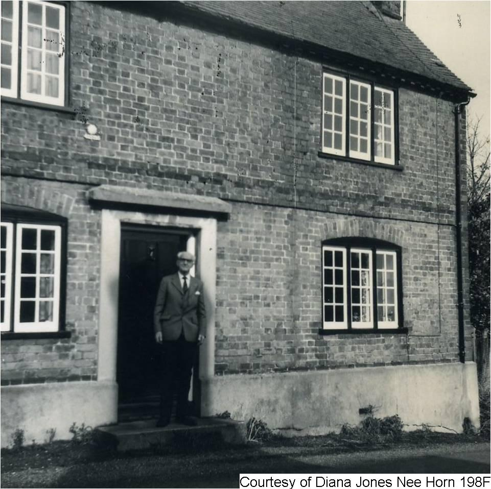 198F - George At His Old Home in Staple Street