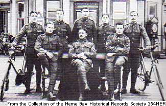 254HER – B Company Kent Cyclist Battalion posing at the Pier Head.