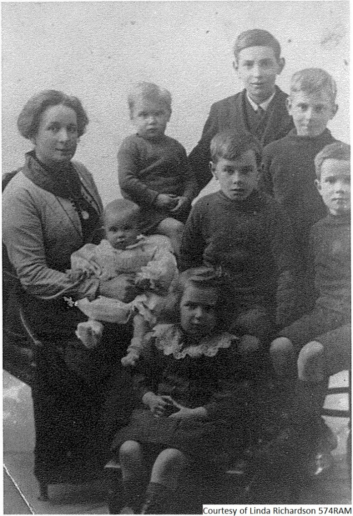 574RAM - Charles Henry Parret Family - Taken Around The Time The Letter Was Written